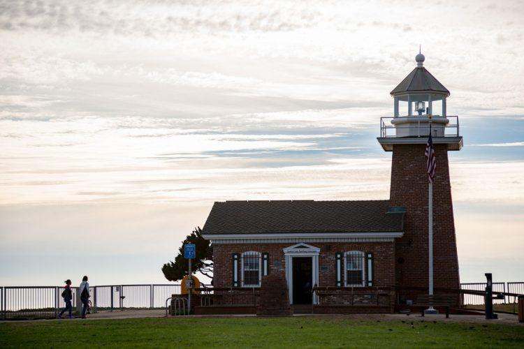 west cliff light house abbott
